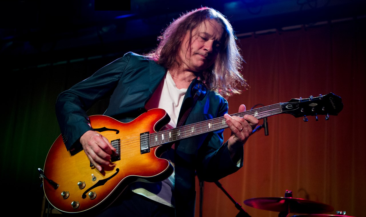 Robben Ford - biography, video, tab on Veojam