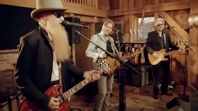 Daryl Hall/John Oates - Sara Smile - guitar lesson - Veojam